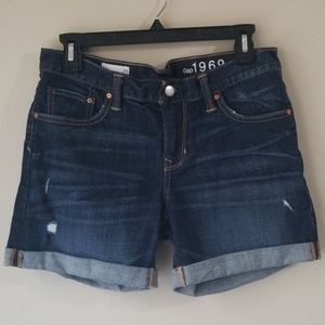 Like New Gap Size 26 Boyfriend Shorts